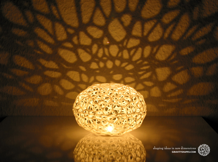 Little Voronoi Pearl Light Lamp No. 2 (8 cm)