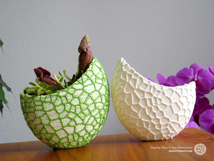 Organic flower pots / Voronoi Vase in PLA.