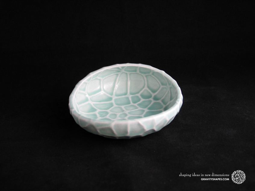 Flat porcelain Soap Dish in Water-Look (Gloss Celadon Green)