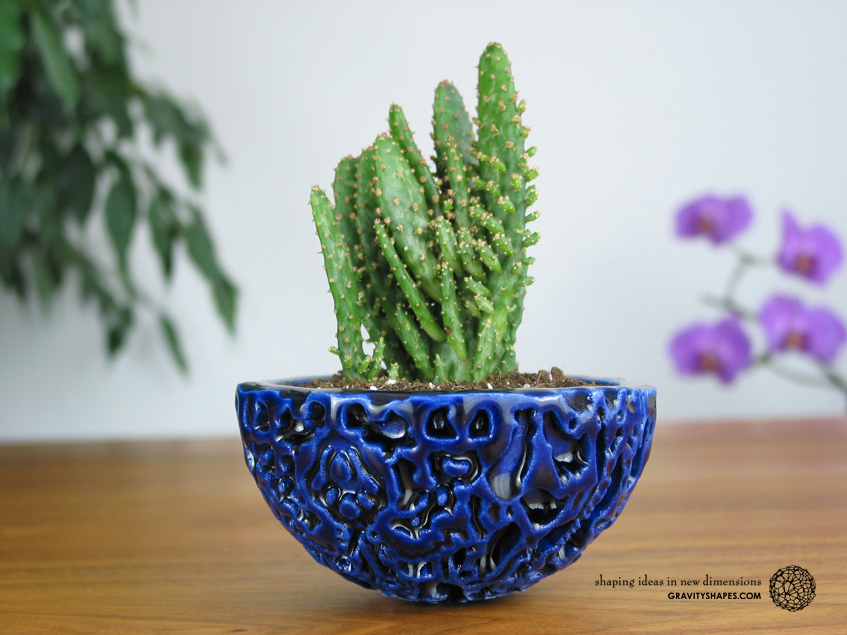 Little Galaxy Porcelain Pot (Gloss Cobalt Blue)