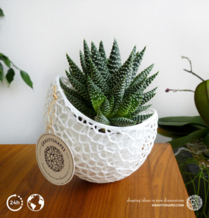 Capsule Planter with large Pot (white)