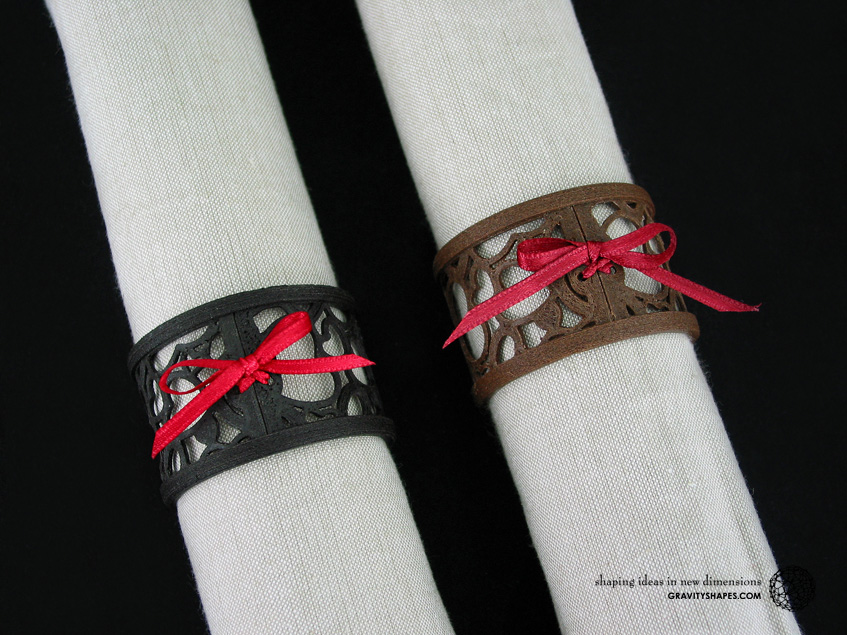 Napkin rings laced, black and brown wood with hearts