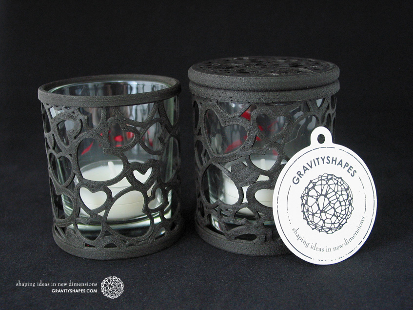 Tealight holder laced with hearts – black