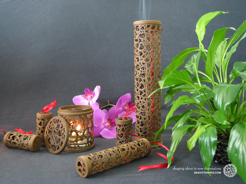 Wooden incense sticks tower laced (brown with hearts)
